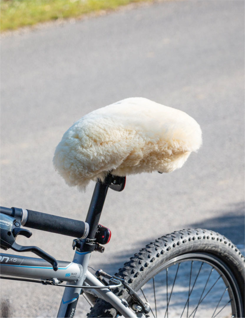 Cover for bicycle saddle / white